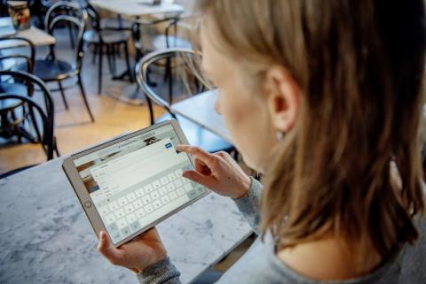 Bibwebsite tablet